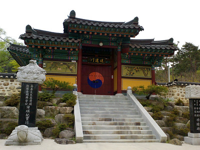 An entrance gate to a small shrine at the Jeongsimsa Temple in Mudeungsan National Park.  27 April 2013
