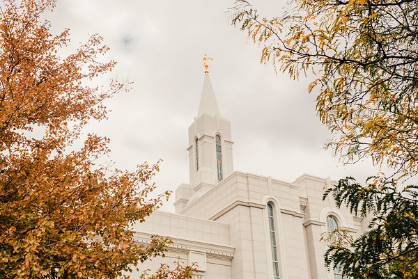 Bountiful Temple in Fall