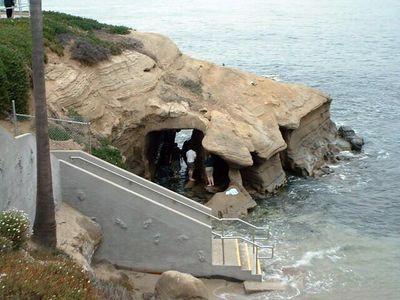 cave -- La Jolla, 28 Jun 2003