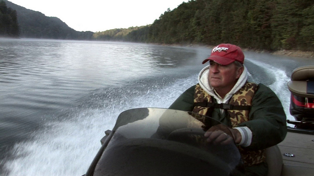 Video of Bass boat heading for fishing spot on Lake Jocassee.