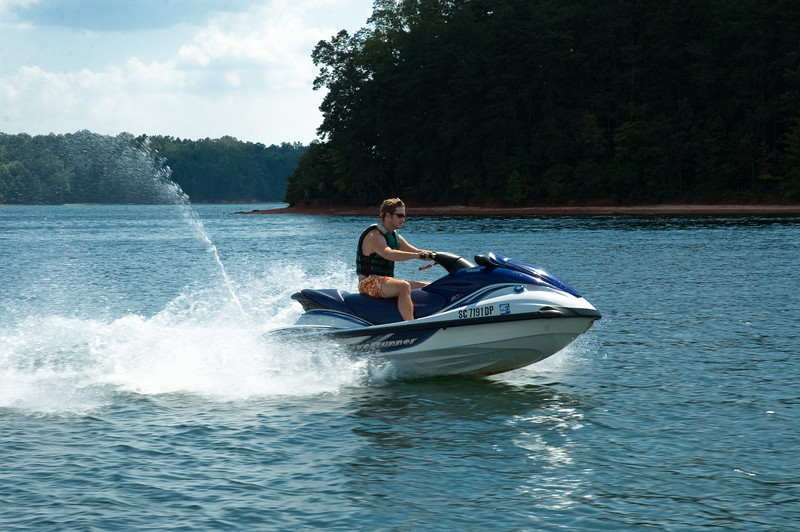 Lake Keowee Jet Sking (10 of 1)