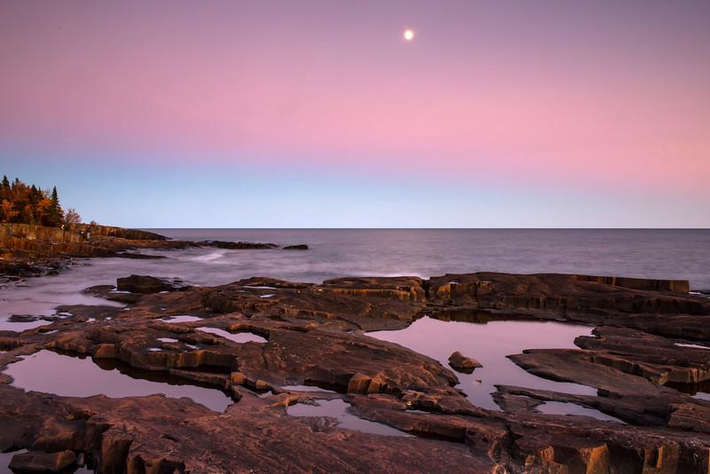 MNLR-12202: Evening twilight at Artist Point on Lake Superior