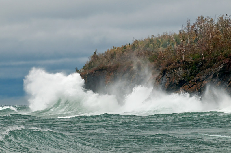 MNLR-9132: High winds on Lake Superior
