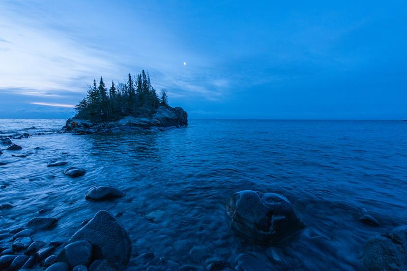 Moon glow over Horseshoe Bay