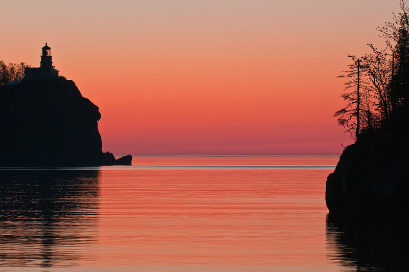 MNLR-10044: Split Rock Lighthouse at twilight