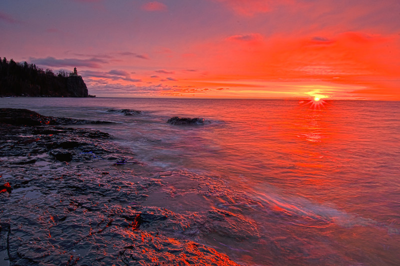 MNLR011312H: Split Rock Lighthouse State Park at sunrise