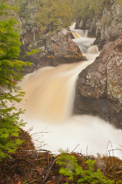 MNLR-11008: Cascading Waterfall on the Cascade River