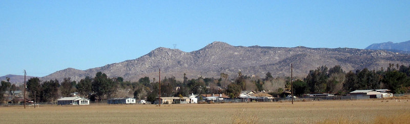 Mt. Rudolph, Lakeview Mountains. Part of the town of Nuevo is in the foreground. 4 Feb 2007