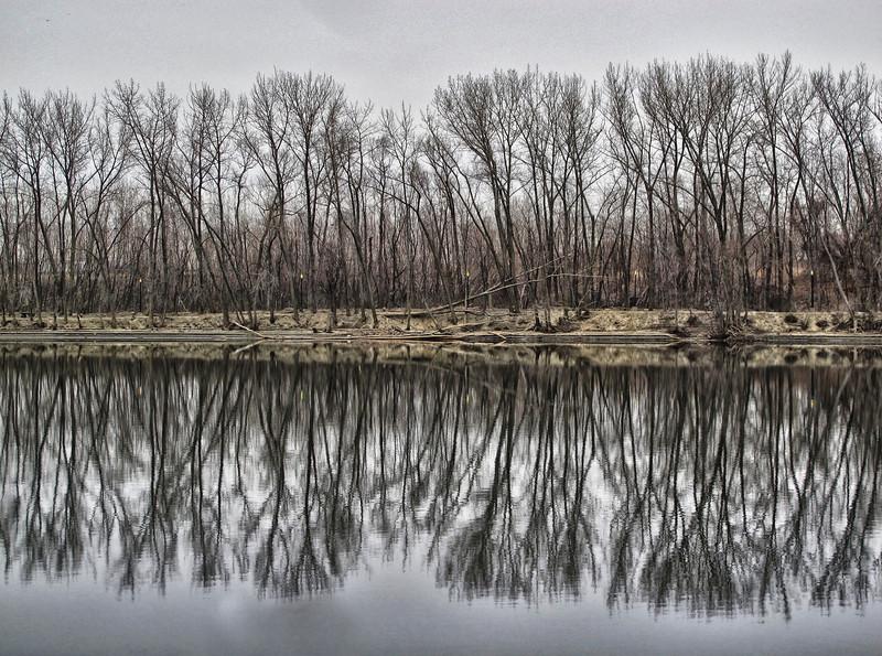 River bank: Hartford, CT