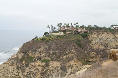La Jolla Farms home on the bluff above South Peak at Blacks.