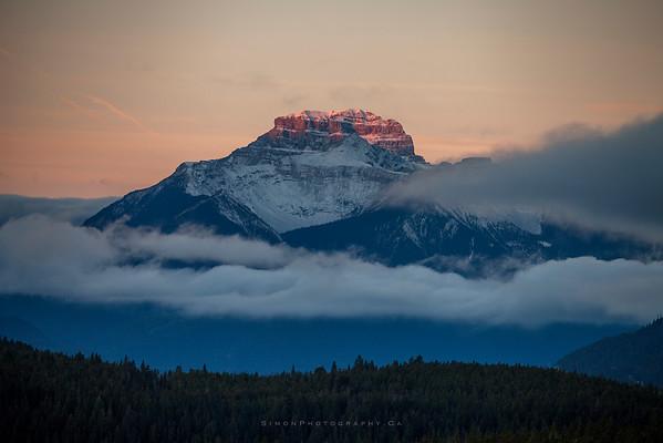Mt.Bourgeau at sunrise