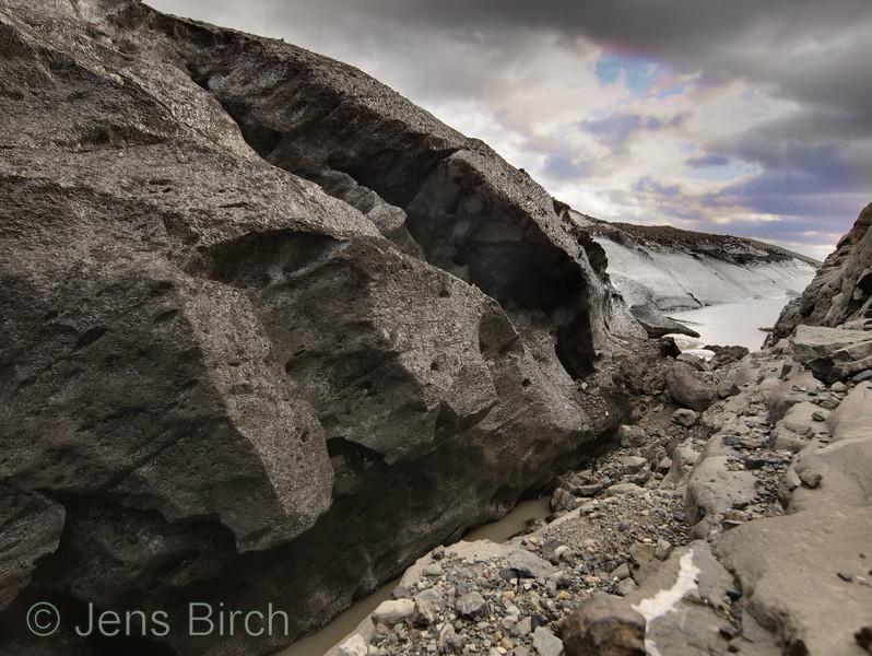 The glacier Svinafellsjökull in sothern Iceland. June 2005.