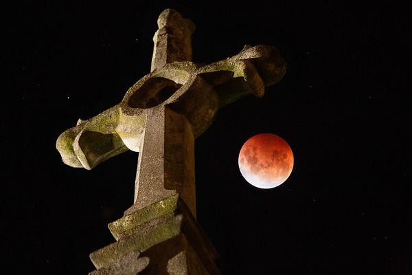 May 26, 2021, total lunar eclipse at First Church of Otago, Dunedin, New Zealand