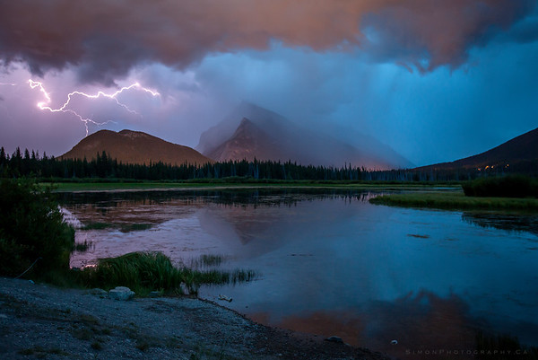 Rundle Lightning