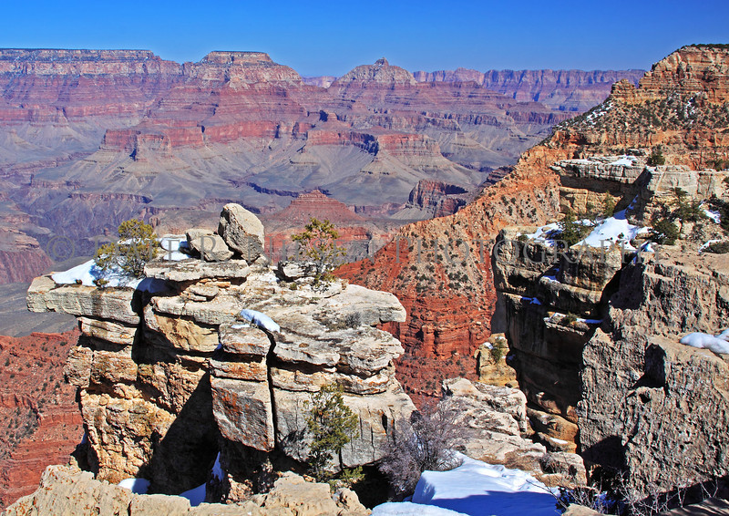 A view of the Grand Canyon from the south rim, Grand Canyon National Park, Arizona.