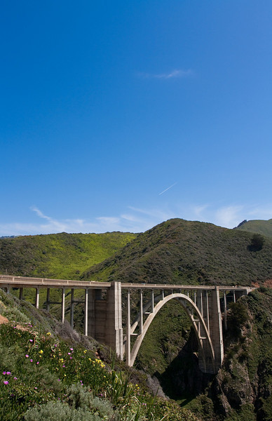 Bixby Bridge along Highway 1 just south of Carmel, CA