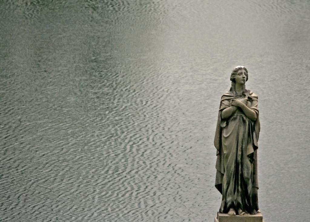Spring Grove Lake monument