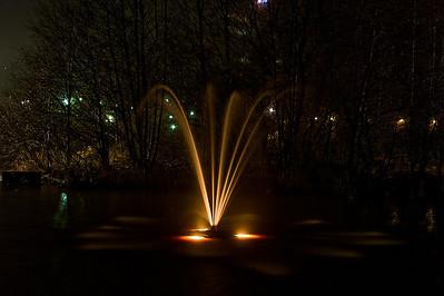 Suihkulähde sumuisella Tikkurilankoskella - The fountain at the misty Tikkurila rapid Vantaa 2012