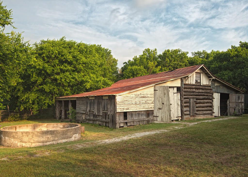Penn Farm barn at Cedar Hill State Park