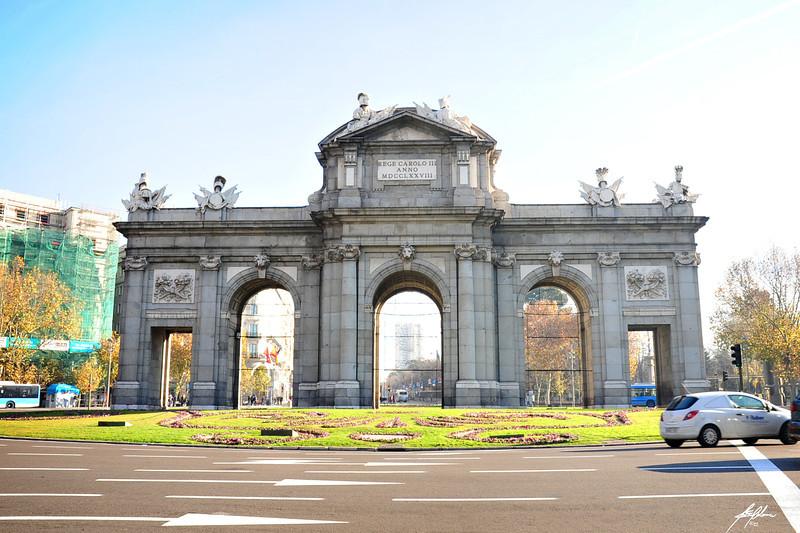Puerta de Alcala<br /> Madrid, Spain