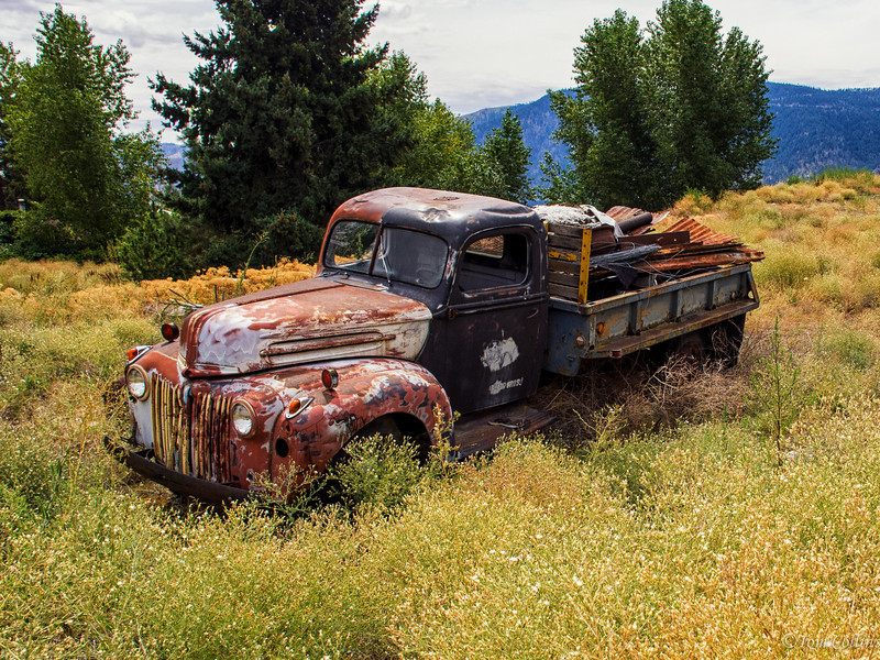 Abandoned truck outside Lake Chelan, Washington