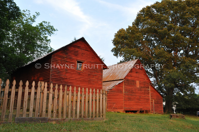 Old Barn and Building, Braselton, Georgia