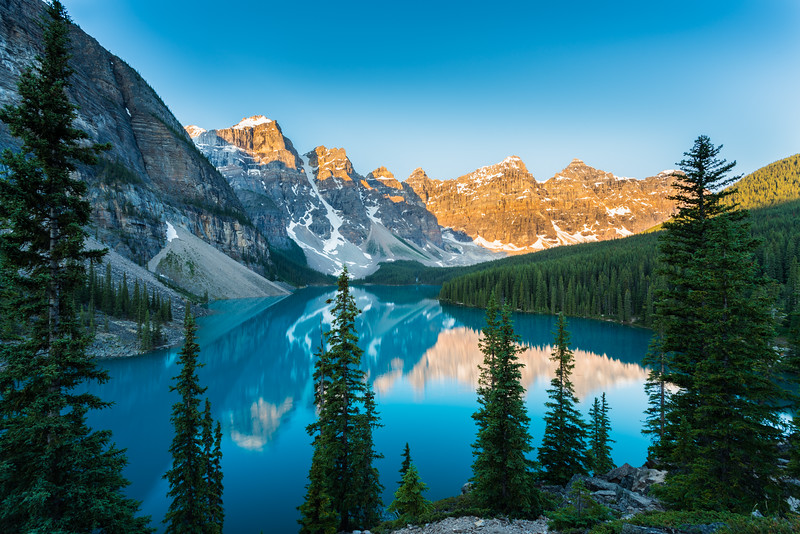 Moraine lake dawn