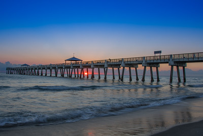 Juno Beach Pier - Sunrise
