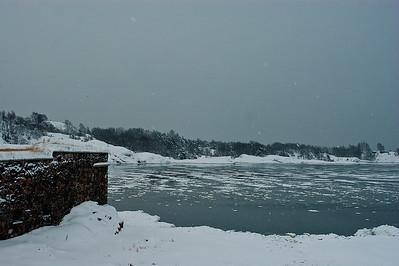 Kustaanmiekan salmi Suomenlinnasta - Strait of Kustaanmiekka from Suomenlinna fortress Helsinki 2013