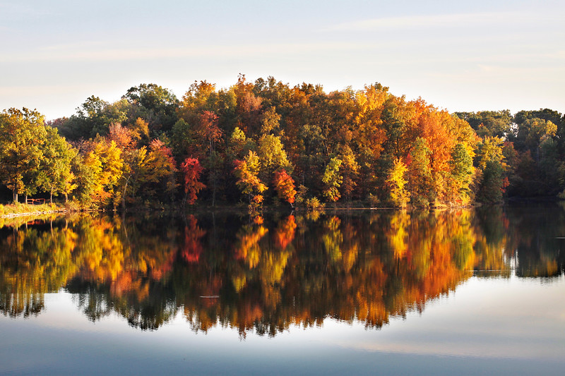 The fall foliage  at New Lake in Oakland City in October 2013.