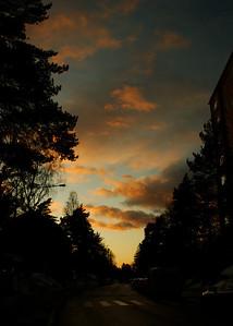 Auringonlasku Munkkivuoressa - Sunset at Munkkivuori, Helsinki 2012