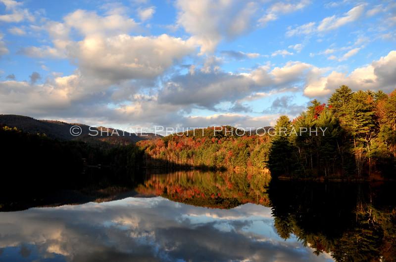 Fall reflections at Anna Ruby lake, Helen Georgia