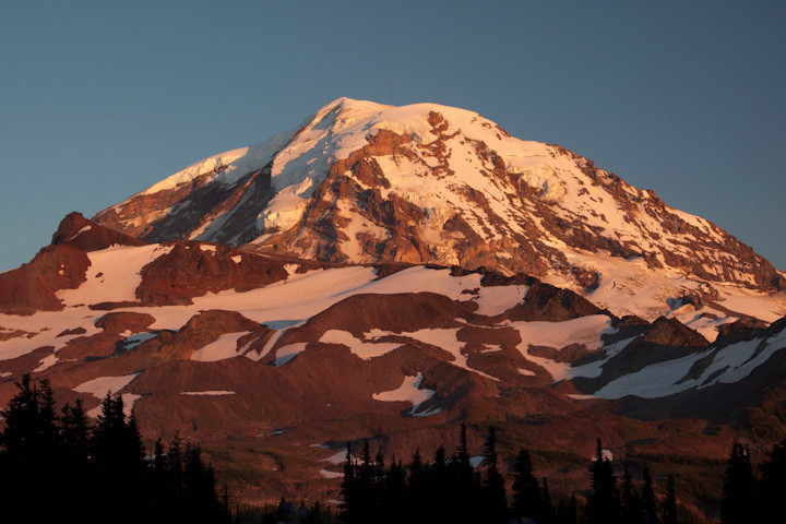 Sunset on Mt Rainier / Spray Park / Mount Rainier National Park