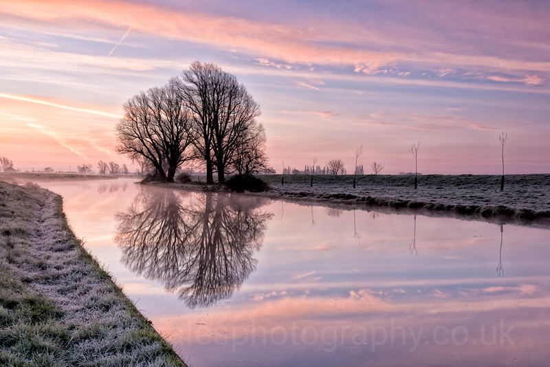 UK Weather: Frosty and Misty sunrise, Cambridgeshire