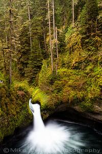 Punchbowl Falls, Eagle Creek Oregon.