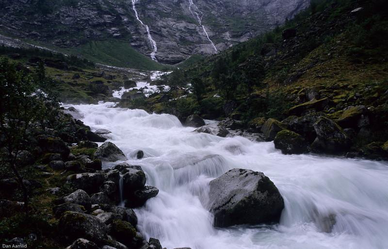 Breelv, Jostedalsbreen