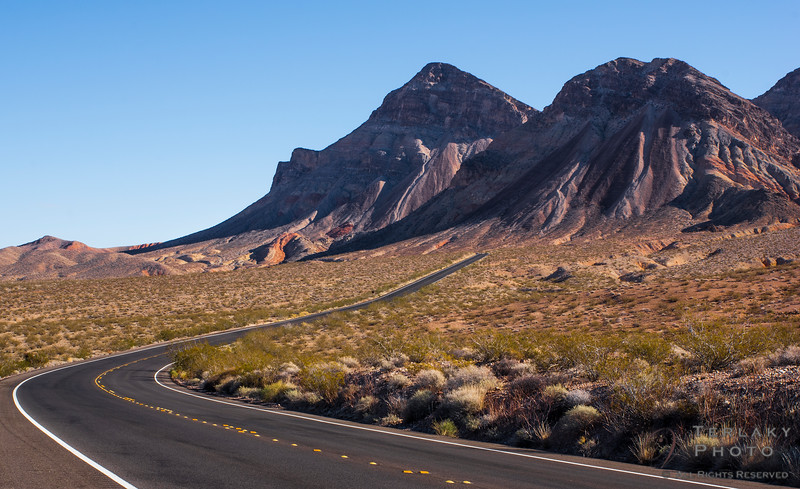 Scenic route along Lake Mead to the Valley of Fire.