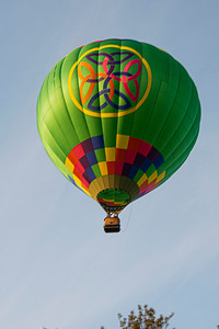 Hot-air balloon over Letchworth