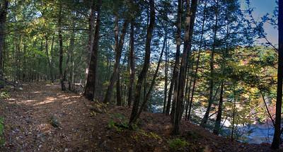 East rim trail  in Letchworth gorge