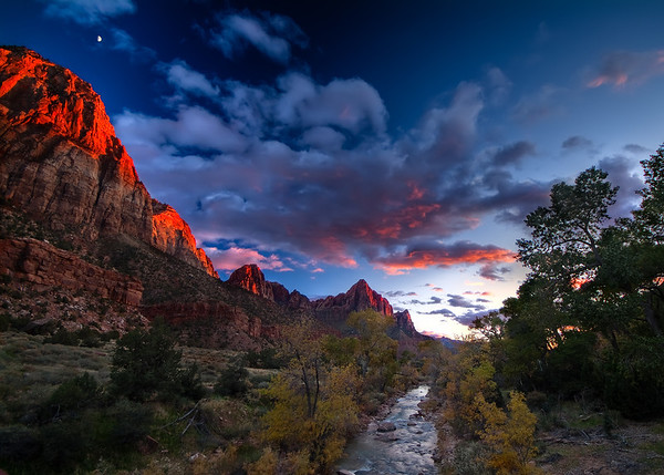 Fading Watchman  The last rays of the setting Sun burns the top of Bridge Mountain & the Watchman Zion National Park, Utah, USA