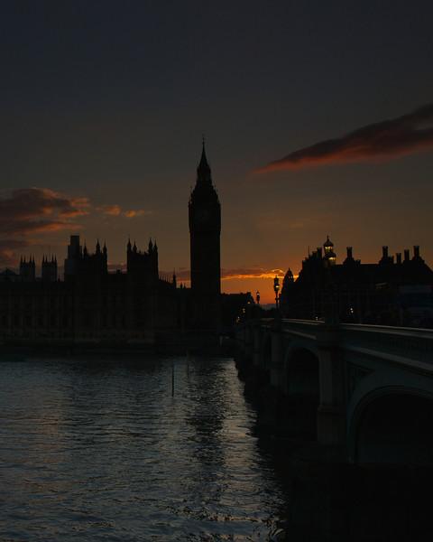 parliament at dusk 2013-09-06 at 18-23-41