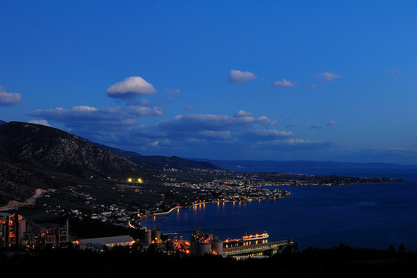 "Goritsa Hill (Thessaly, near Volos) - Night view of Agria village and ""Hercules"" cement factory<br />  Λόφος Γορίτσας (Βόλος) - Νυχτερινή άποψη της Αγριάς και της τσιμεντοβιομηχανίας ""Ηρακλής"""