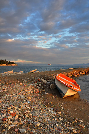 Anavros (Thessaly, near Volos) - Lonely fishing boat by the sea<br />  Άναυρος (Βόλος) - Μοναχική ψαρόβαρκα κοντά στη θάλασσα
