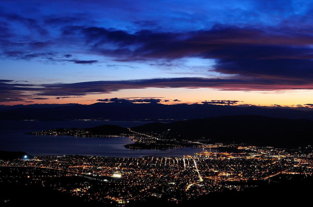 Volos (Thessaly) - Night view from Makrinitsa<br />  Βόλος - Νυχτερινή άποψη από Μακρυνίτσα