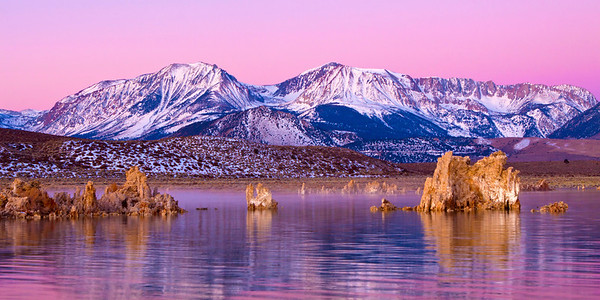 Tufa Sunrise at Mono Lake, California