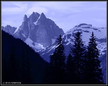 """""""THREE SPECTATORS"""", Castle mountain, Alaska, USA."""