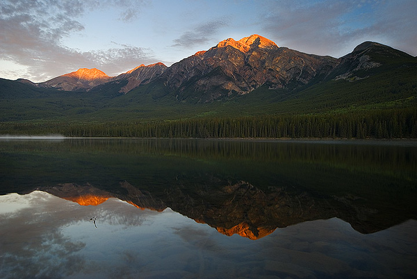 Pyramidal Reflection, Jasper AB