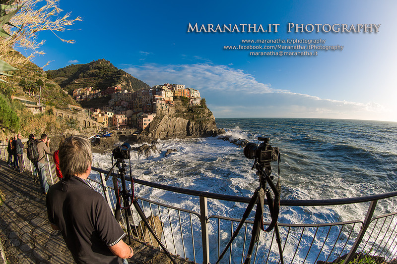 10/11/2013 – 16:01 Maranatha.it Photography to cover the rough seas at Manarola, Cinque Terre, Riviera Ligure di Levante, La Speza, Italy
