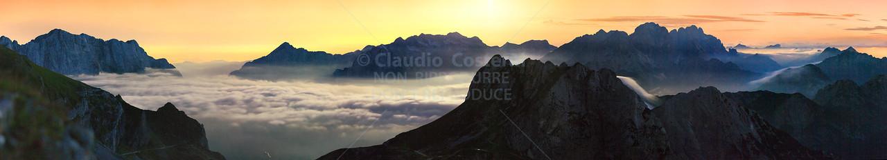 Notturno con luna dal Mangart verso le Alpi Giulie occidentali - foto n° 270709-711125
