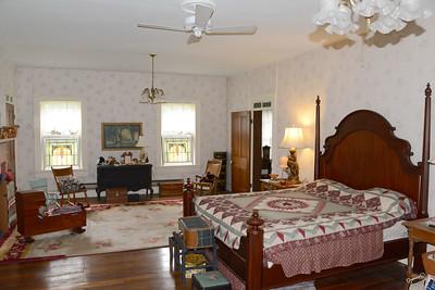 Markle home master bedroom